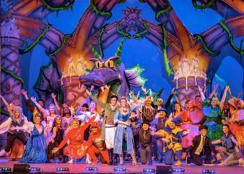 PWC Pantomime online!